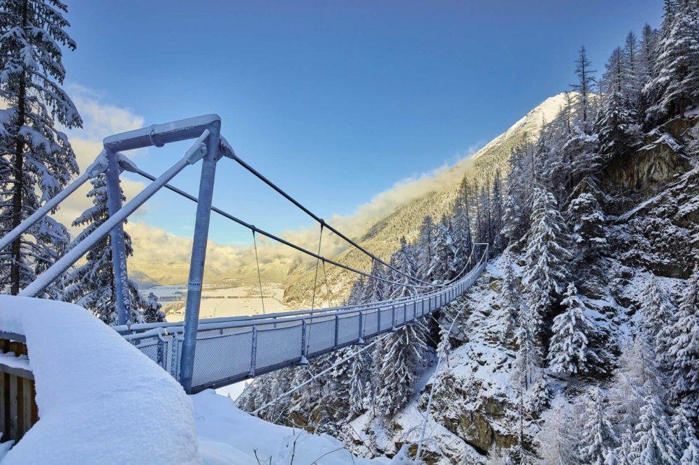 Hängebrücke Längenfeld im Winter